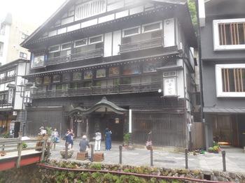 H30.6銀山荘4.JPG