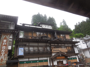 H30.6銀山荘8.JPG